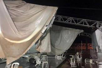 Estrutura de centro de triagem foi destruída. (Foto: Direto das Ruas)