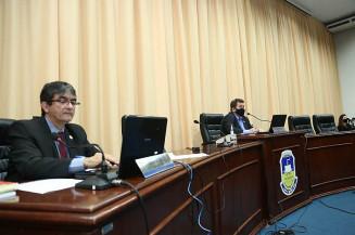 Juscelino Cabral e Laudir durante sessão desta segunda à noite (Imagem: Divulgação)