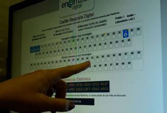 Essa versão do exame será exclusiva para quem já concluiu o ensino médio ou que está concluindo a etapa em 2021. Imagem: (Agência Brasil)
