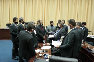 Vereadores de Dourados durante sessão (Imagem: Divulgação)
