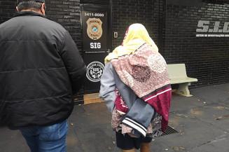 Jovem preso na manhã de hoje. Imagem: (Adilson Domingos)