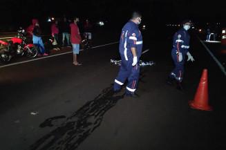 Local onde rapaz morreu atropelado na noite de ontem (Imagem: Adilson Domingos)