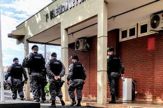 Além dos policiais do Gaeco, a operação contou com o apoio da equipe Corregedoria da Polícia Militar e do Batalhão de Choque da Polícia Militar (Imagem: Adilson Domingos)