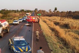 Acidente com vítima fatal entre Dourados e Fátima do Sul (Imagem: Adilson Domingos)