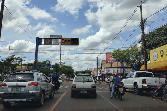 Movimento na Avenida Marcelino Pires, em Dourados (Dourados Informa)