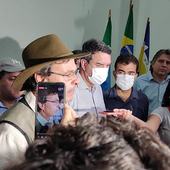 ministro do Turismo durante entrevista coletiva em Dourados (Imagem: Dourados Informa)