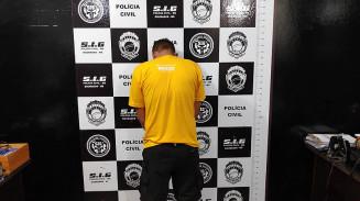 Preso na noite de ontem acusado de esfaquear homem que o chamou de 'viado' (Imagem: Adilson Domingos)