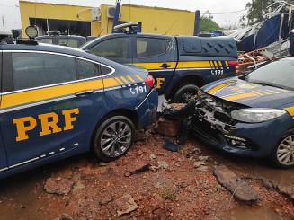 Destruição na PRF em Dourados (Imagem: Adilson Domingos)