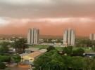 Vento forte e chuva causam estragos em Dourados (Imagem: Reprodução)
