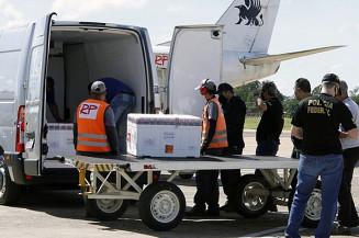 Chegada de vacinas no aeroporto de Campo Grande (Edemir Rodrigues)
