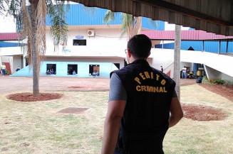 Perito da Polícia Civil na sede da prefeitura (Adilson Domingos/Campo Grande News)