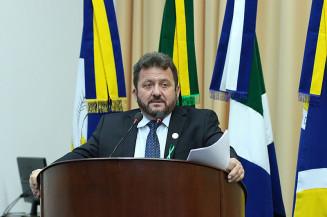 Laudir Munaretto fala durante sessão de segunda-feira (Divulgação)