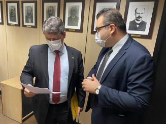 Prefeito Alan Guedes com ministro Tarcísio Gomes de Freitas (Divulgação)